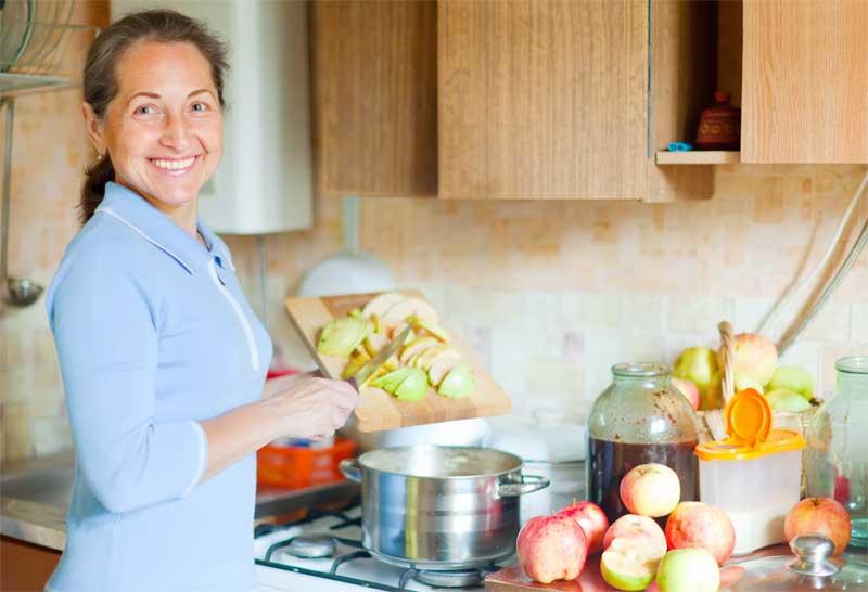 Travailler dans les services la personne faire les courses et pr parer des repas - Cuisiner pour une personne ...