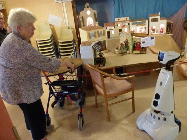 Nouvelles technologies en Ehpad: les robots débarquent au Foyer des romarins