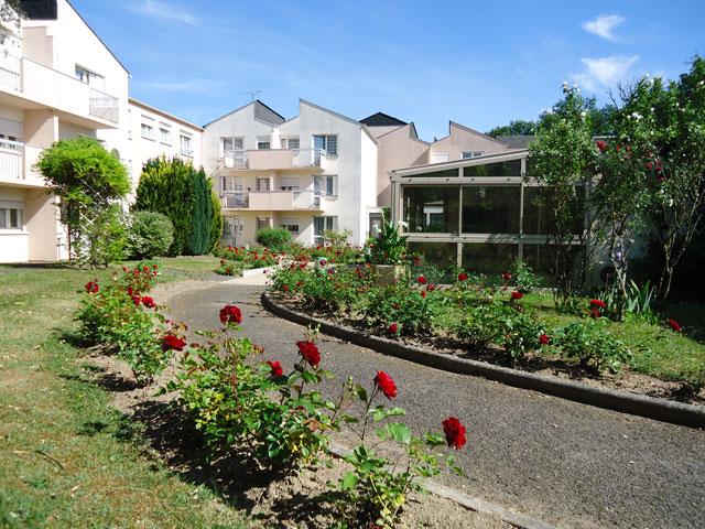 Logement r sidence et foyer personnes ag es la maison des roses la machi - Vente maison personne agee ...