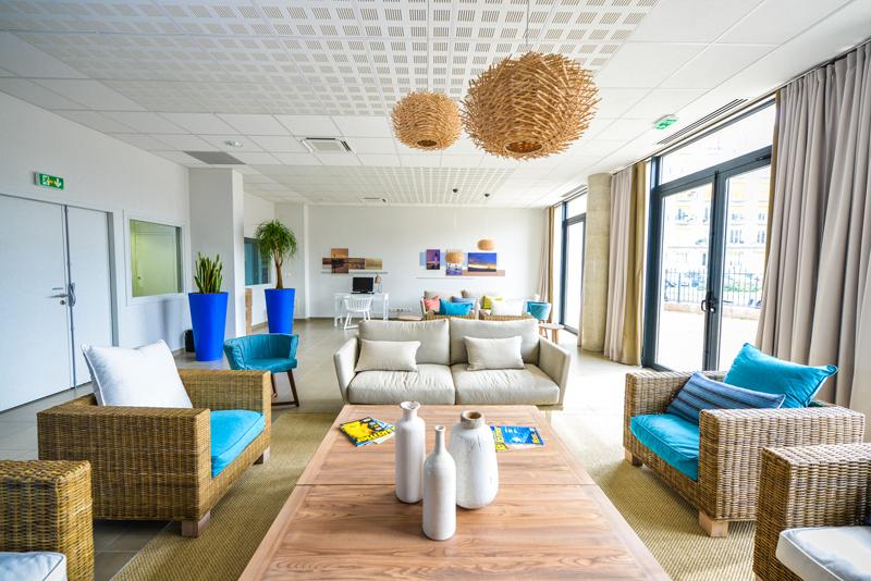 r sidence service r sidence les jardins d 39 arcadie r sidence fran ois 1er residence avec. Black Bedroom Furniture Sets. Home Design Ideas