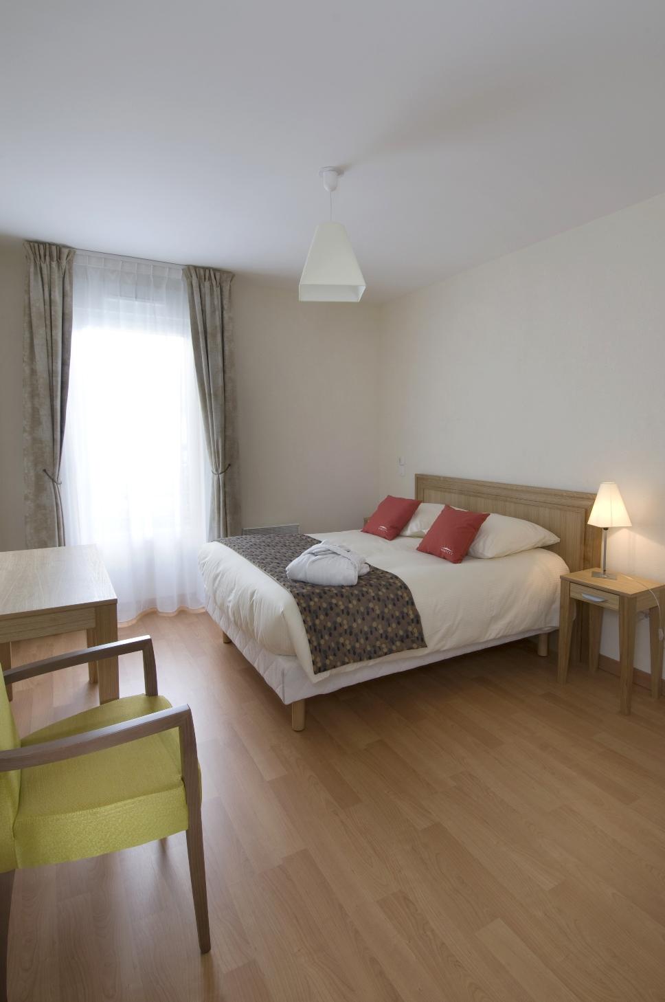 t1 louer dans une r sidence avec services pour seniors situ e rumilly. Black Bedroom Furniture Sets. Home Design Ideas