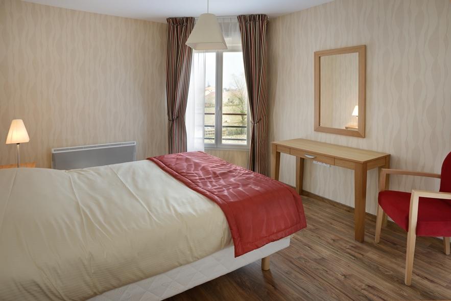 t3 louer en r sidence avec services pour seniors saint doulchard proximit de bourges. Black Bedroom Furniture Sets. Home Design Ideas