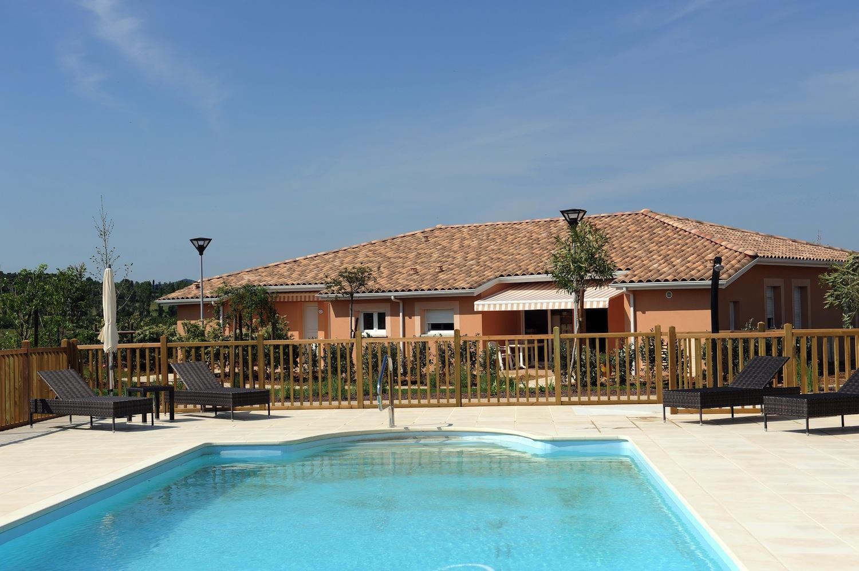 R sidence village les senioriales mont limar 26200 for Piscine montelimar